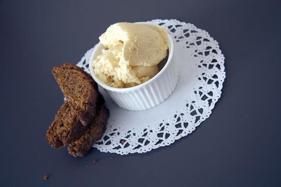 ice cream with cinnamon biscotti