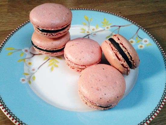 raspberry macarons with chocolate ganache filling